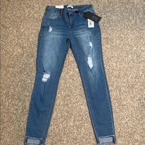 NWT Kenzie Jeans Size 2/26